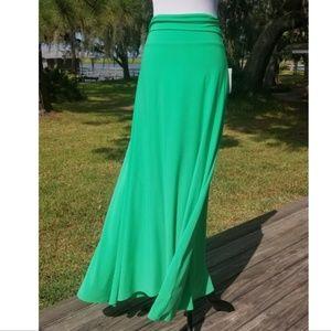 LuLaRoe kelly green maxi skirt